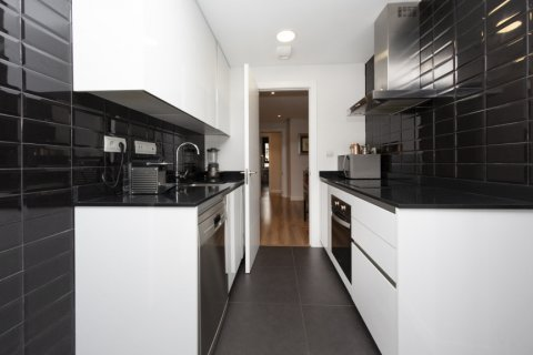 Apartment for sale in Madrid, Spain, 3 bedrooms, 177.00m2, No. 2163 – photo 8