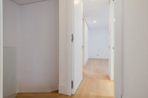 Apartment for sale in Madrid, Spain, 2 bedrooms, 157.00m2, No. 2070 – photo 16