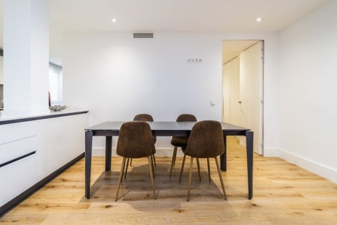 Apartment for rent in Madrid, Spain, 2 bedrooms, 150.00m2, No. 2395 – photo 30