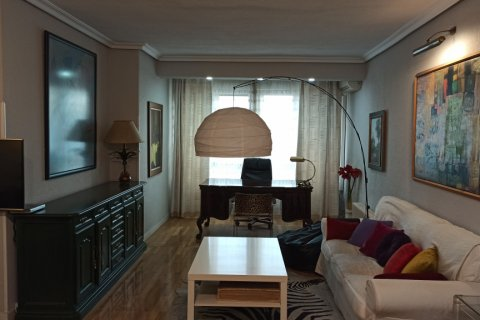 Apartment for rent in Madrid, Spain, 3 bedrooms, 170.00m2, No. 2047 – photo 12
