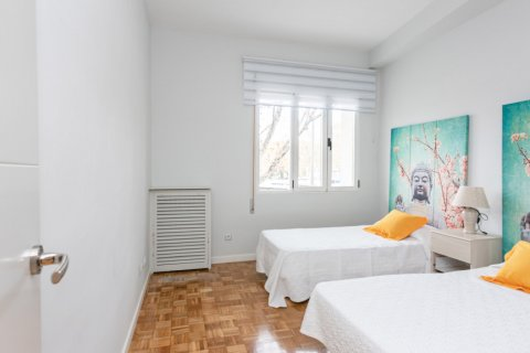 Apartment for sale in Madrid, Spain, 3 bedrooms, 147.00m2, No. 2026 – photo 7