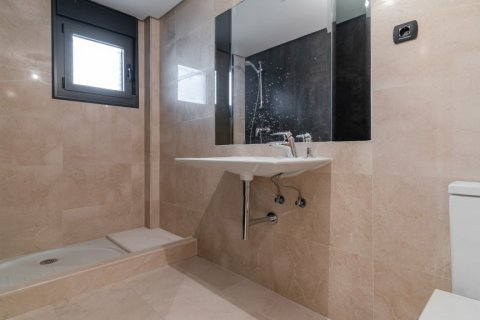 Duplex for sale in Madrid, Spain, 4 bedrooms, 220.46m2, No. 1975 – photo 24