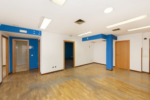 Apartment for sale in Madrid, Spain, 3 bedrooms, 127.00m2, No. 2281 – photo 6