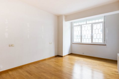 Apartment for sale in Madrid, Spain, 3 bedrooms, 168.00m2, No. 2301 – photo 17