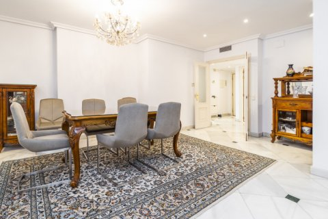 Duplex for sale in Madrid, Spain, 3 bedrooms, 152.00m2, No. 2445 – photo 8