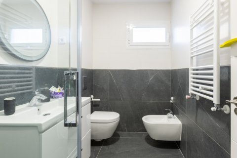 Duplex for sale in Madrid, Spain, 5 bedrooms, 216.00m2, No. 2360 – photo 28