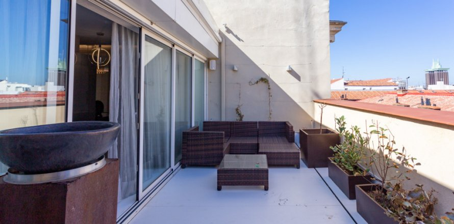 Penthouse in Madrid, Spain 4 bedrooms, 270.00 sq.m. No. 1492
