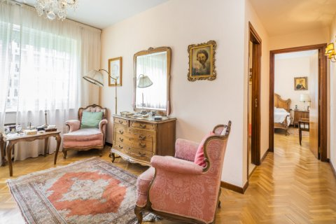 Apartment for sale in Madrid, Spain, 5 bedrooms, 181.00m2, No. 2706 – photo 30