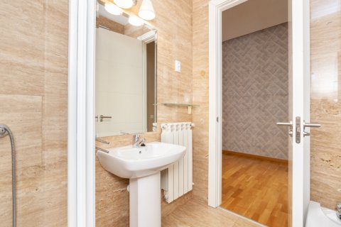 Apartment for rent in Madrid, Spain, 4 bedrooms, 190.00m2, No. 1474 – photo 15