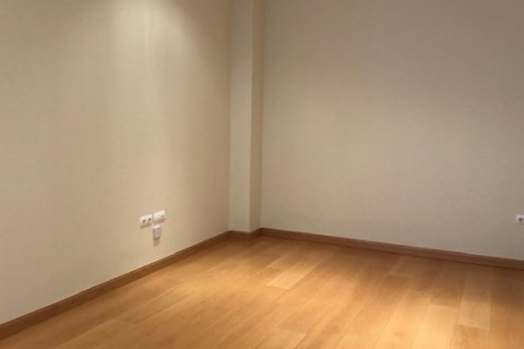 Apartment for rent in Madrid, Spain, 1 bedroom, 66.00m2, No. 2613 – photo 2