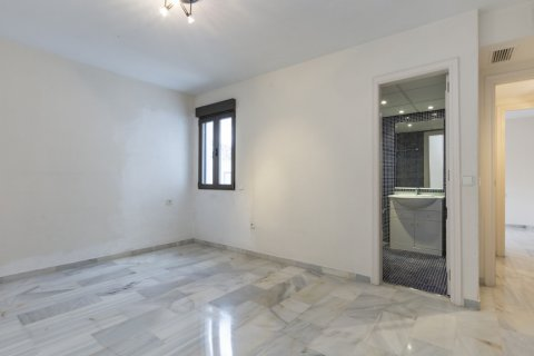 Penthouse for sale in Marbella, Malaga, Spain, 2 bedrooms, 135.73m2, No. 2019 – photo 13