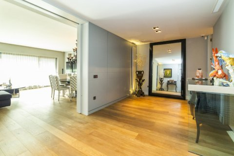 Apartment for sale in Madrid, Spain, 3 bedrooms, 322.00m2, No. 2564 – photo 11