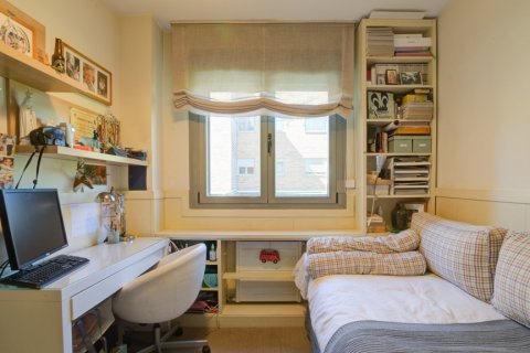 Apartment for sale in Madrid, Spain, 4 bedrooms, 171.00m2, No. 2442 – photo 25