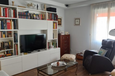 Apartment for rent in Madrid, Spain, 4 bedrooms, 185.00m2, No. 2456 – photo 30