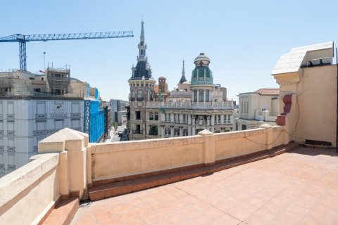 Apartment for sale in Madrid, Spain, 3 bedrooms, 225.78m2, No. 2489 – photo 2