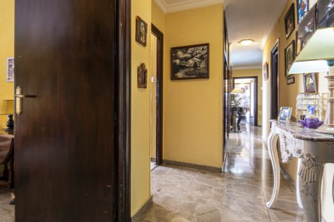 Apartment for sale in Malaga, Spain, 6 bedrooms, 210.00m2, No. 2340 – photo 21