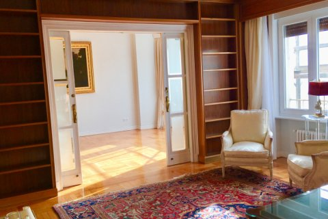 Apartment for rent in Madrid, Spain, 7 bedrooms, 150.00m2, No. 1624 – photo 5
