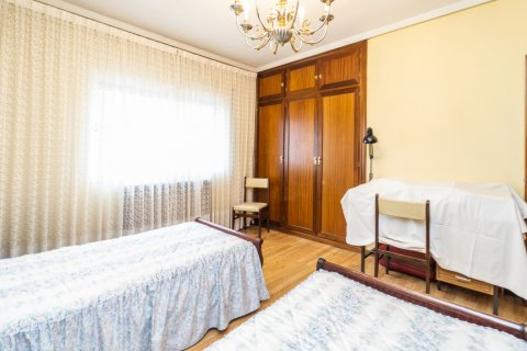 Apartment for sale in Madrid, Spain, 4 bedrooms, 152.00m2, No. 2316 – photo 23