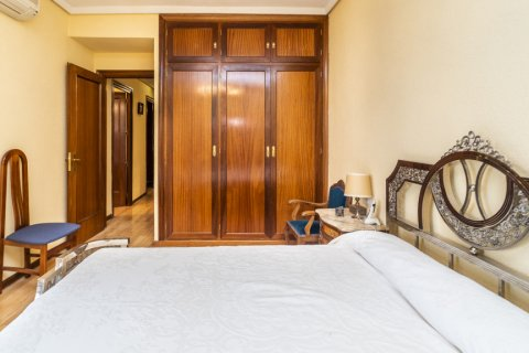 Apartment for sale in Madrid, Spain, 4 bedrooms, 152.00m2, No. 2316 – photo 11