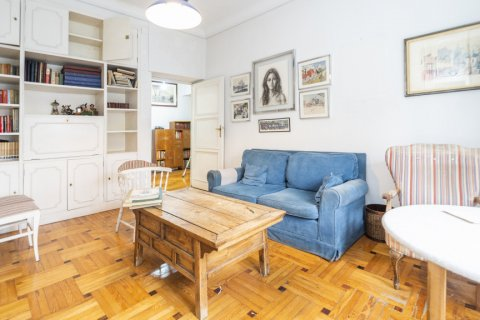 Apartment for sale in Madrid, Spain, 5 bedrooms, 168.00m2, No. 2313 – photo 5