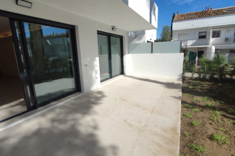Apartment for rent in Marbella, Malaga, Spain, 2 bedrooms, 140.00m2, No. 2711 – photo 2