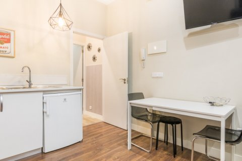 Apartment for sale in Madrid, Spain, 2 bedrooms, 183.00m2, No. 2417 – photo 3