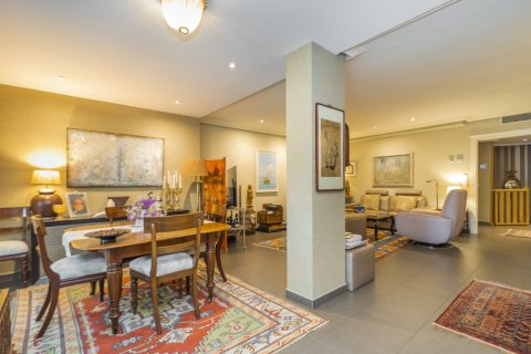 Apartment for sale in Alcobendas, Madrid, Spain, 4 bedrooms, 160.00m2, No. 1964 – photo 8