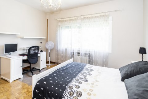 Apartment for sale in Madrid, Spain, 5 bedrooms, 232.00m2, No. 2190 – photo 18