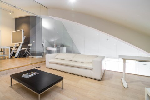 Duplex for sale in Madrid, Spain, 3 bedrooms, 150.00m2, No. 2671 – photo 1