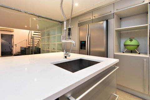 Apartment for sale in Madrid, Spain, 2 bedrooms, 193.00m2, No. 2494 – photo 10