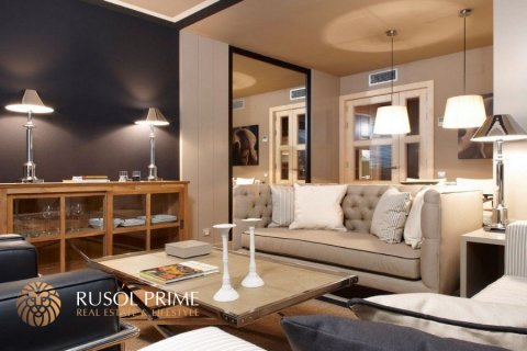 Apartment for sale in Barcelona, Spain, 1 bedroom, 60m2, No. 8703 – photo 1