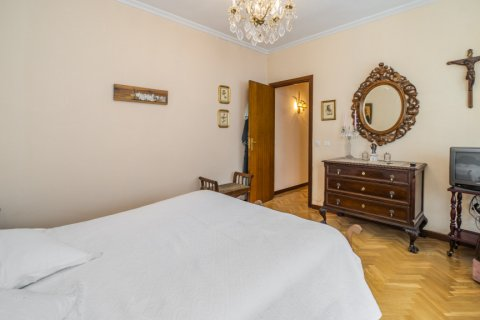 Apartment for sale in Madrid, Spain, 5 bedrooms, 181.00m2, No. 2706 – photo 24