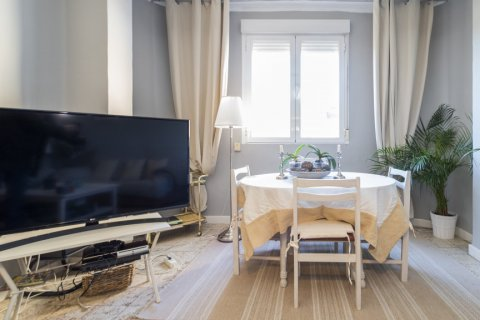 Apartment for sale in Madrid, Spain, 4 bedrooms, 135.00m2, No. 2427 – photo 2