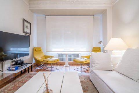 Apartment for sale in Madrid, Spain, 5 bedrooms, 384.00m2, No. 2372 – photo 2