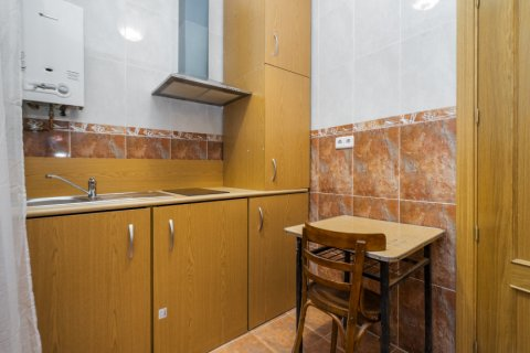 Apartment for sale in Madrid, Spain, 3 bedrooms, 88.00m2, No. 2453 – photo 13