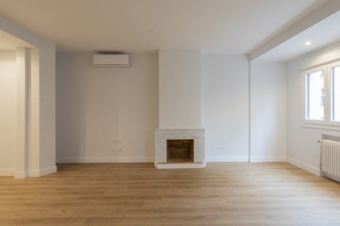 Apartment for sale in Madrid, Spain, 3 bedrooms, 136.00m2, No. 2007 – photo 6