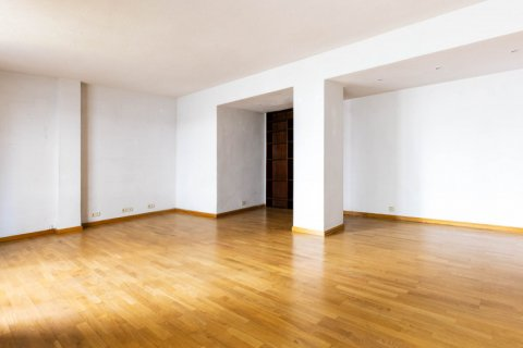 Apartment for sale in Madrid, Spain, 3 bedrooms, 168.00m2, No. 2301 – photo 6