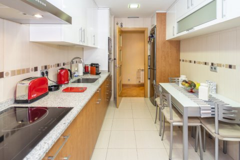 Apartment for sale in Madrid, Spain, 4 bedrooms, 122.51m2, No. 2192 – photo 28
