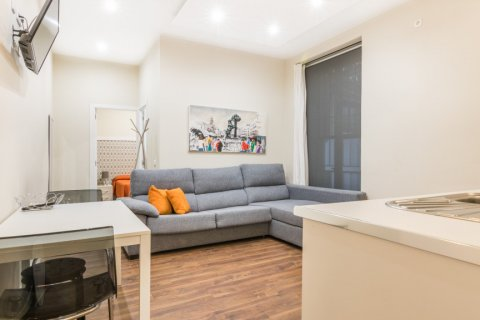 Apartment for sale in Madrid, Spain, 2 bedrooms, 183.00m2, No. 2417 – photo 1