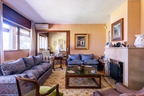 Apartment for sale in Madrid, Spain, 6 bedrooms, 355.00m2, No. 2376 – photo 2