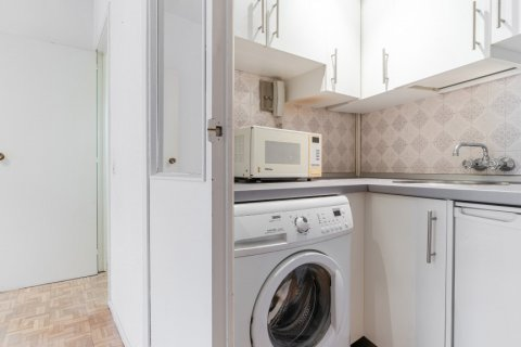Apartment for sale in Madrid, Spain, 52.00m2, No. 2025 – photo 6