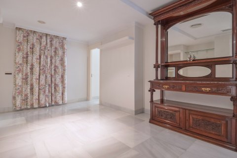 Apartment for sale in Malaga, Spain, 3 bedrooms, 229.00m2, No. 2351 – photo 22