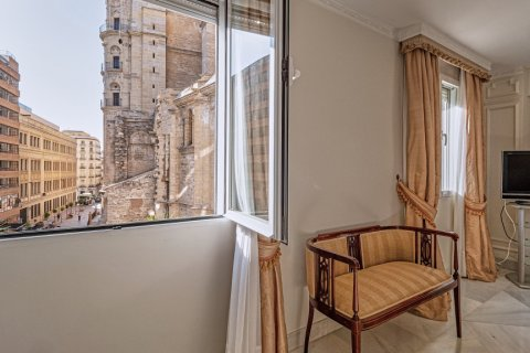 Apartment for sale in Malaga, Spain, 3 bedrooms, 229.00m2, No. 2351 – photo 3