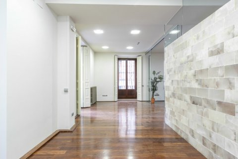 Apartment for sale in Madrid, Spain, 2 bedrooms, 234.00m2, No. 1985 – photo 9