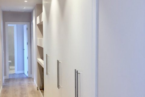 Penthouse for rent in Madrid, Spain, 4 bedrooms, 180.00m2, No. 1776 – photo 7