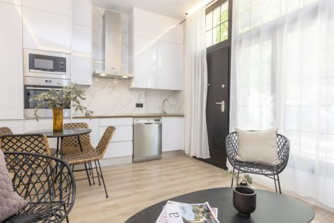 Apartment for sale in Madrid, Spain, 1 bedroom, 50.00m2, No. 2723 – photo 13