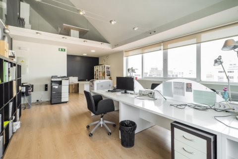 Duplex for sale in Madrid, Spain, 3 bedrooms, 150.00m2, No. 2671 – photo 18
