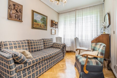 Apartment for sale in Madrid, Spain, 5 bedrooms, 181.00m2, No. 2706 – photo 19