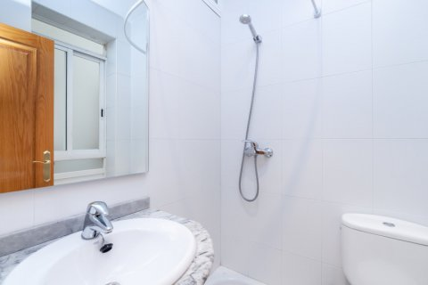 Apartment for rent in Madrid, Spain, 2 bedrooms, 120.00m2, No. 1464 – photo 5