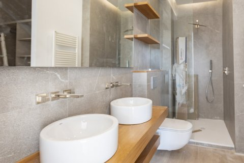 Apartment for sale in Madrid, Spain, 2 bedrooms, 116.00m2, No. 1908 – photo 10